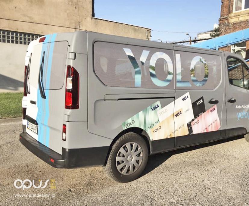 reklama na samochodzie yolo piła