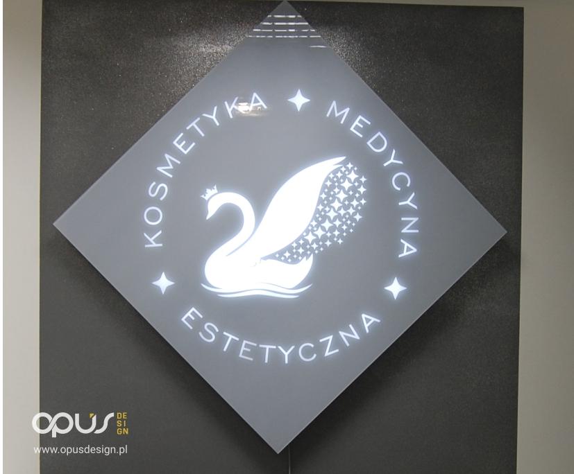 logo podświetlane salon piła